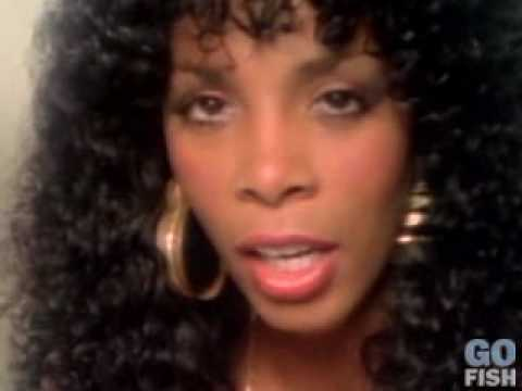 Letra Traducida Donna Summer She Works Hard For The Money